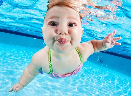 Underwater cuteness! 11 photos of swimming babies.